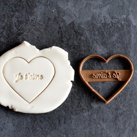 Je t'aime heart cookie cutter