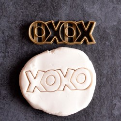 XOXO love cookie cutter