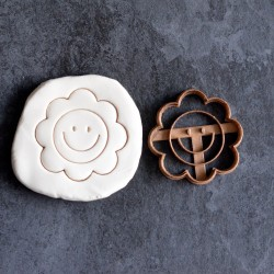 Smiling Flower cookie cutter