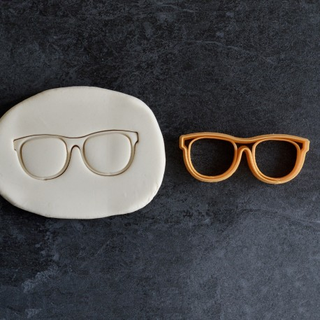 Glasses cookie cutter
