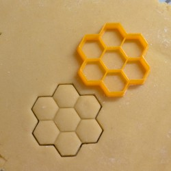 Honey comb cookie cutter
