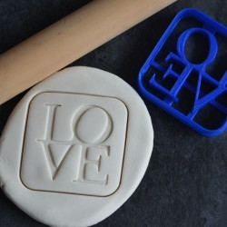 Emporte-pièce LOVE en lettres