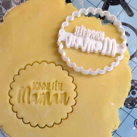 Bonne fête maman cookie cutter - Scalloped circle