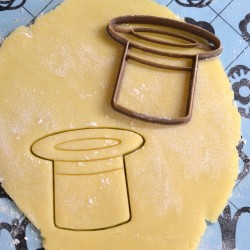Magician hat cookie cutter