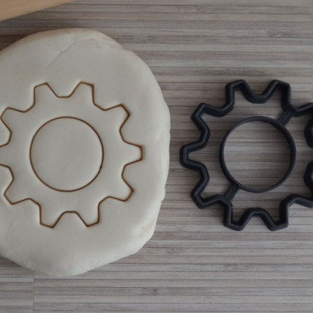 Gear cookie cutter