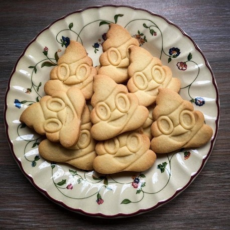 "Emporte-pièce Emoji ""Poop"" (crotte)"