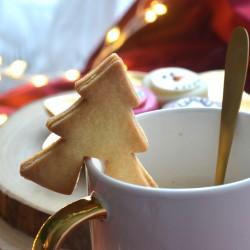 Christmas tree cookie cutter - to hang on a mug