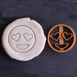 Eyes heart emoji cookie cutter