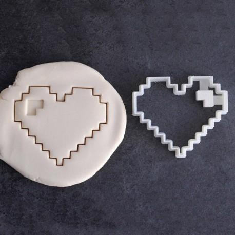 Pixel heart cookie cutter