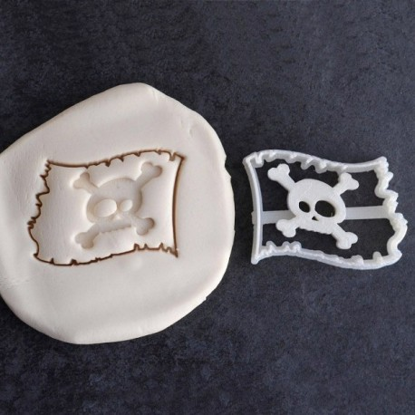 Pirate flag cookie cutter